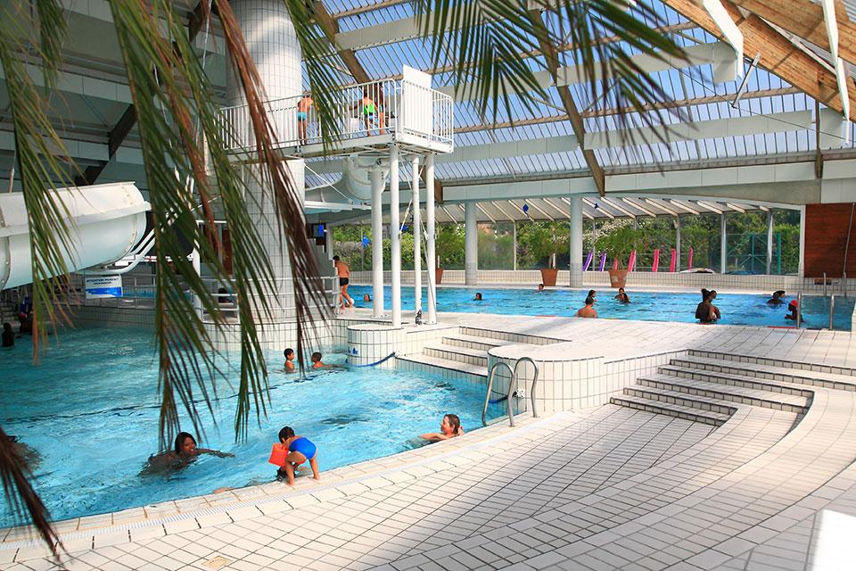 piscine de l 39 axe majeur cergy pontoise l 39 agglom ration. Black Bedroom Furniture Sets. Home Design Ideas