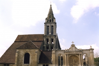 L'église Saint-Christophe à Cergy Village